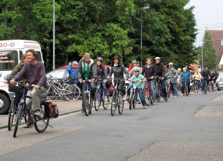Radeln im Pulk  21. Juli 2014 ... viele waren dabei